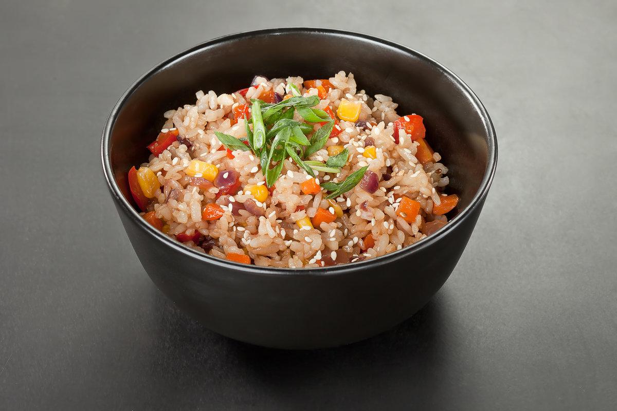 Рис с овощами и морепродуктами